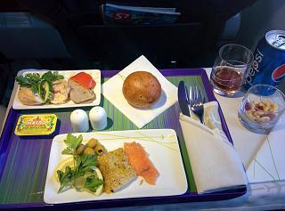 Холодные закуски в бизнес-классе S7 Airlines на рейсе Новосибирск-Москва