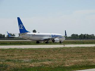 Boeing 737-800 EC-MPG авиакомпании Air Europa в аэропорту Борисполь