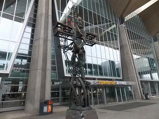 Sculpture at the exit of the new terminal of Pulkovo airport