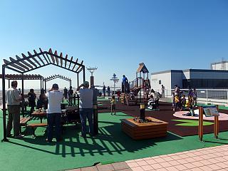 Обзорная площадка в аэропорту Осака Кансай