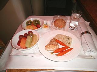 Food business class on a flight of Emirates airlines Hong Kong-Bangkok