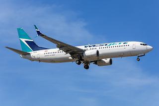 A Boeing-737-800 C-GWSX WestJet airlines