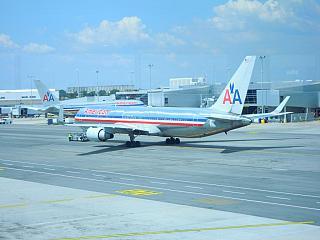 Самолет Боинг-767-300 авиакомпании American Airlines в аэропорту Джона Кеннеди в Нью-Йорке
