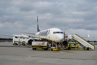 A Boeing-737-800 Ryanair Porto airport