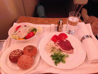 Food business class on the Emirates flight Moscow-Dubai