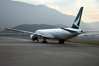 Boeing-777-300 Cathay Pacific before takeoff in Hong Kong airport