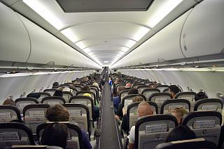 The passenger cabin of the Airbus A320 SWISS