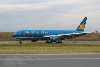 Boeing-777-200 Vietnam airlines at Domodedovo airport