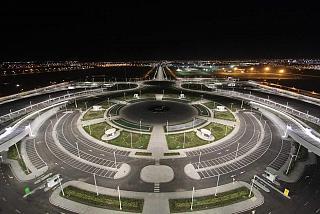 Автомобильная парковка в аэропорту Ашхабад