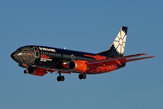 Самолет Boeing 737-300 EW-254PA авиакомпании BELAVIA в имиджевой ливрее World of Tanks в народе именуемый #танколет