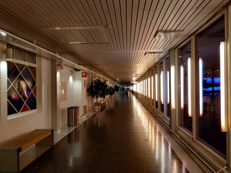 Переход из терминала 3 в терминалы 4 и 5 аэропорта Стокгольм Арланда
