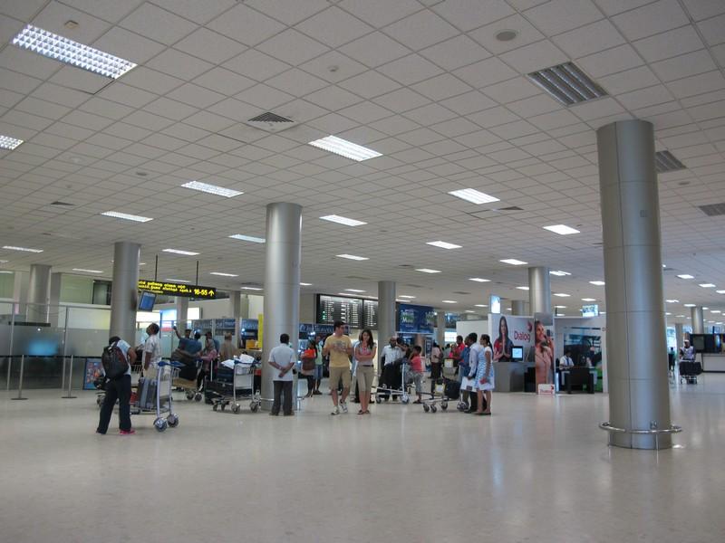 Зал вылета в аэропорту Коломбо Бандаранайке
