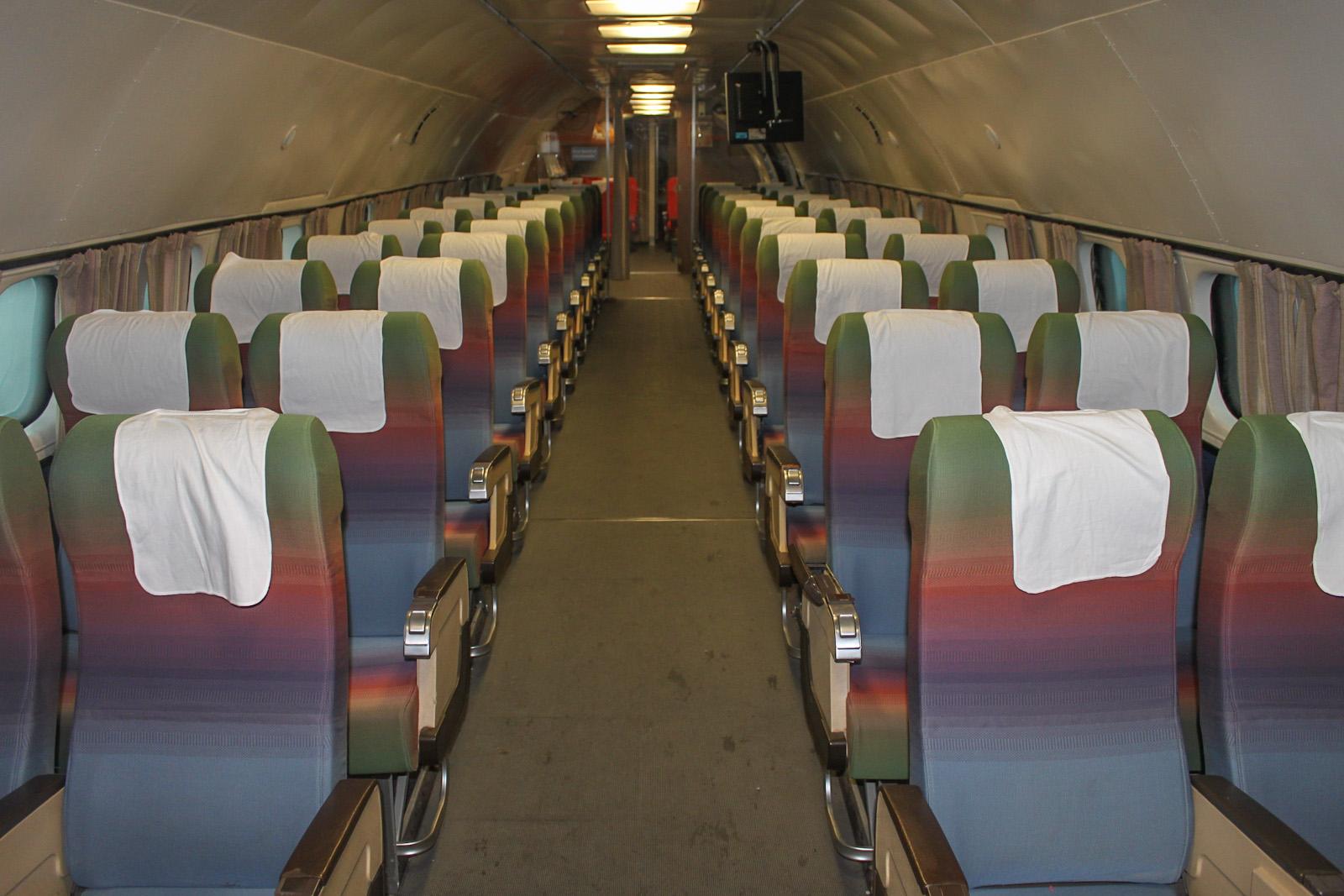 Пассажирский салон самолета Lockheed L-1049G Super Constellation