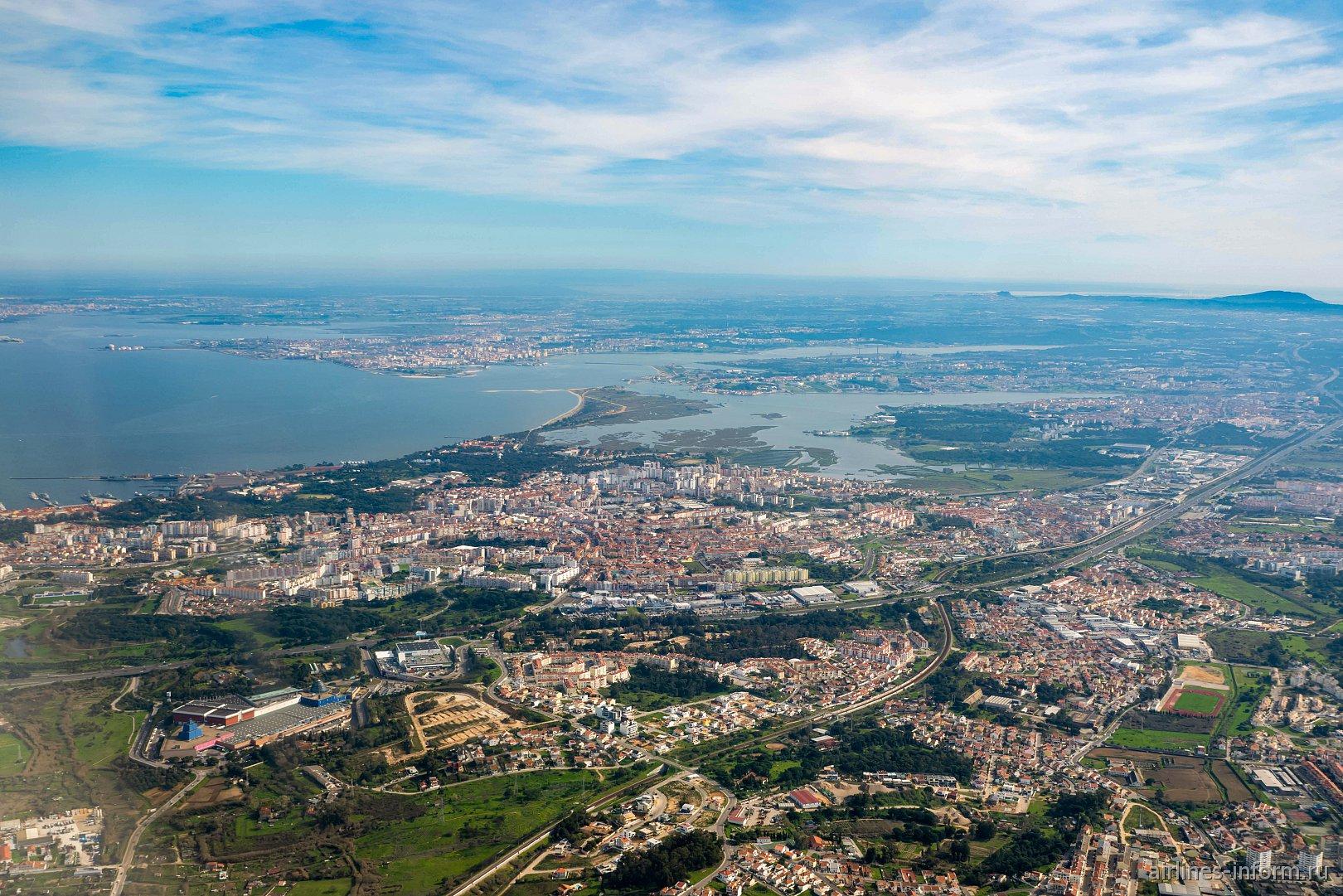 Город Алмада в окрестностях Лиссабона