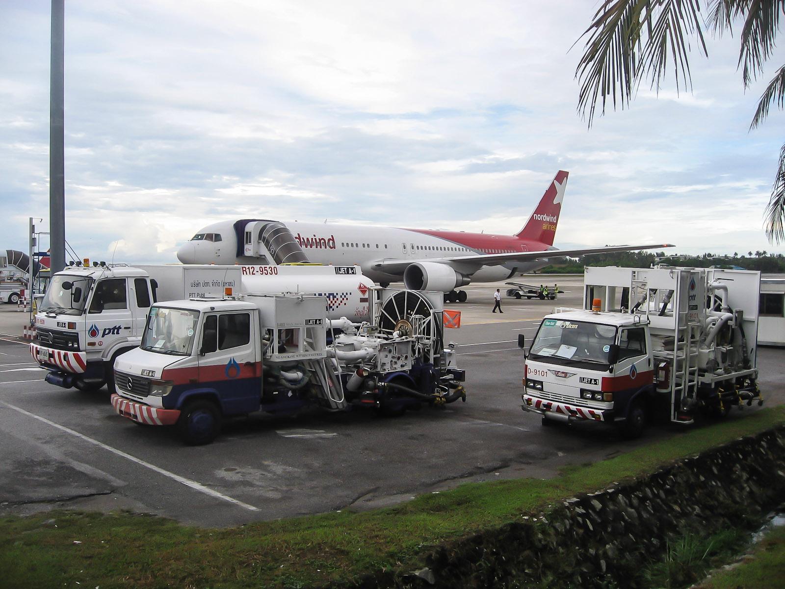 Самолет Боинг-767-300 авиакомпании Nordwind в аэропорту Пхукета