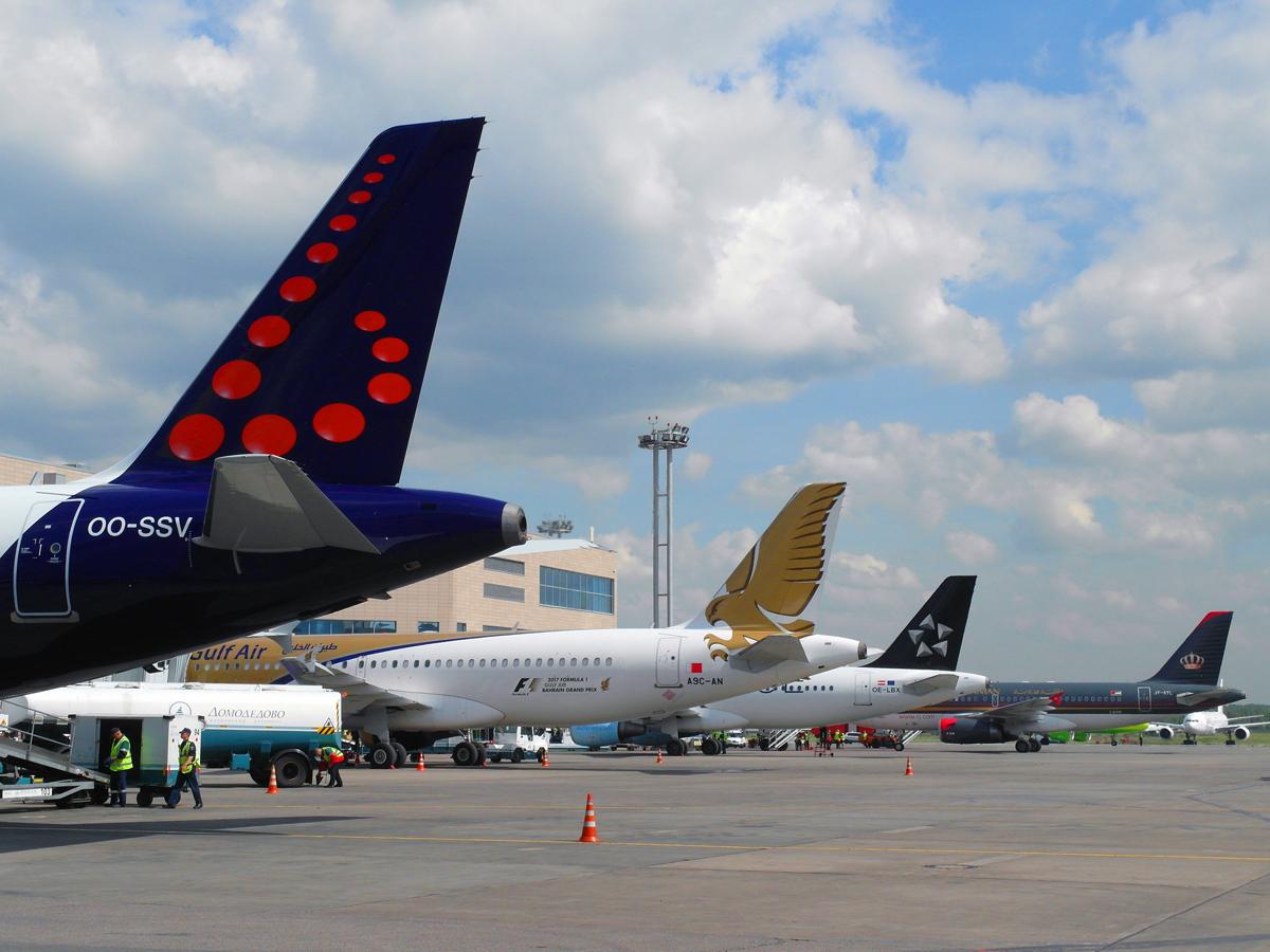 Самолеты у гейтов аэропорта Домодедово