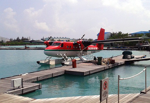 Мале-Медхуфуши-Мале на гидросамолете Maldivian air taxi