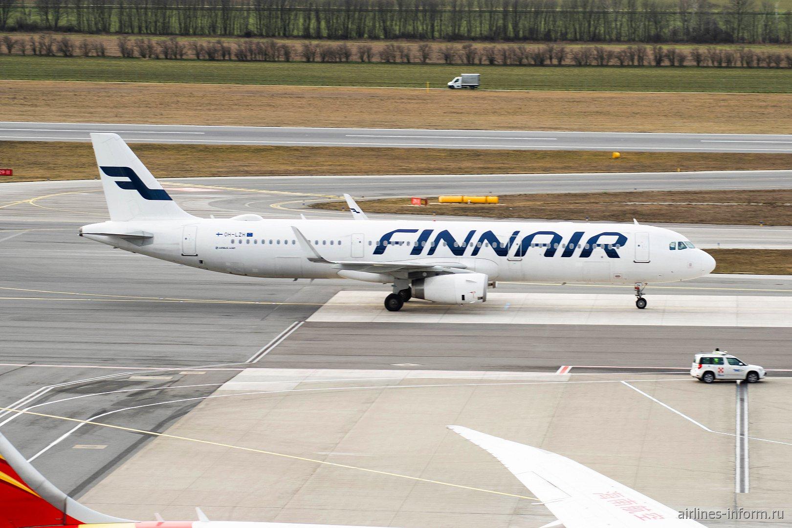 Самолет Airbus A321 (OH-LZH) авиакомпании Finnair в аэропорту Вены