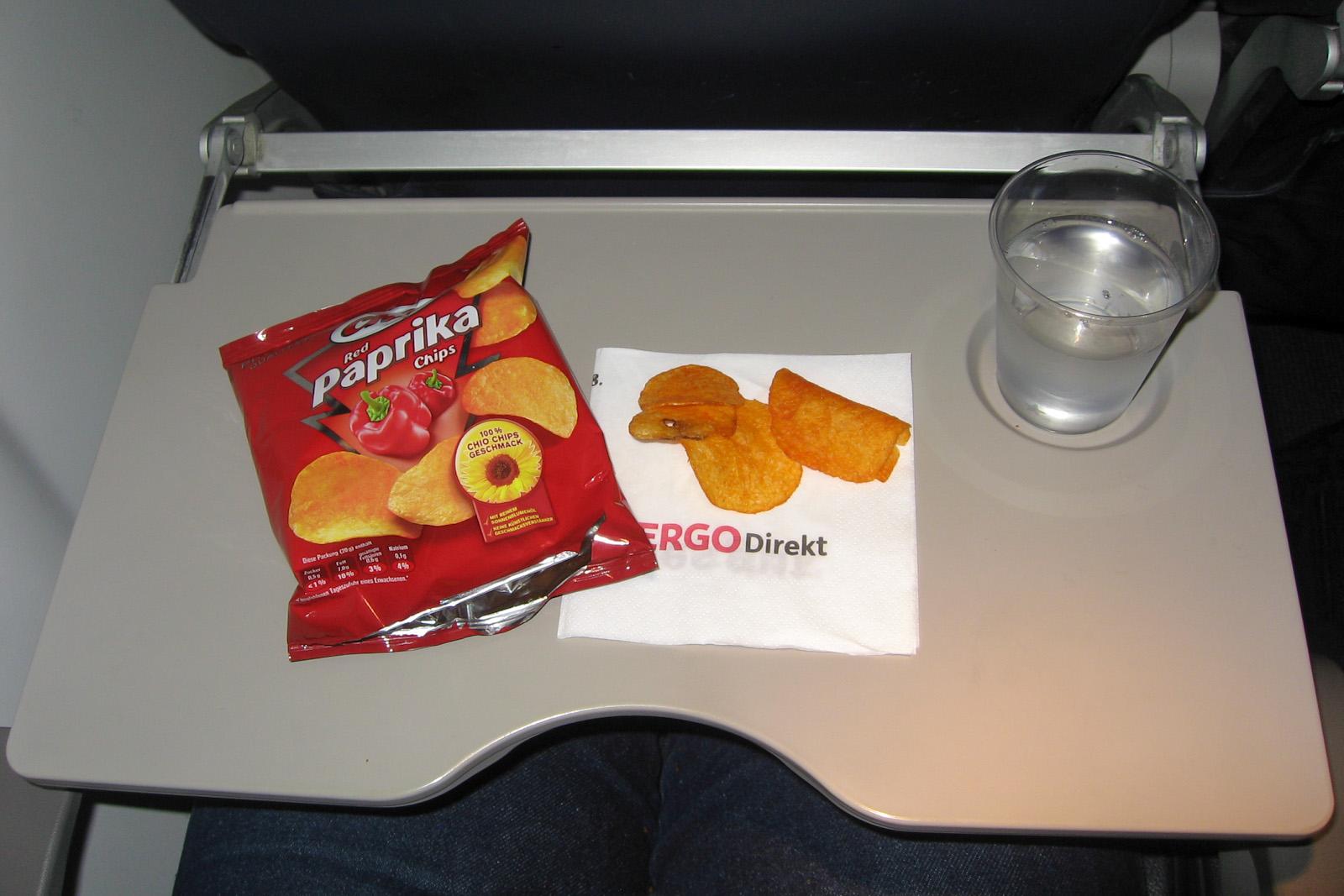 Легкое питание на рейсе Вена-Нюрнберг авиакомпании airberlin/LGW