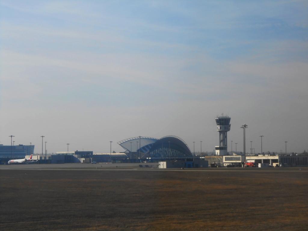 Терминал 1 аэропорта Лион имени Сент-Экзюпери