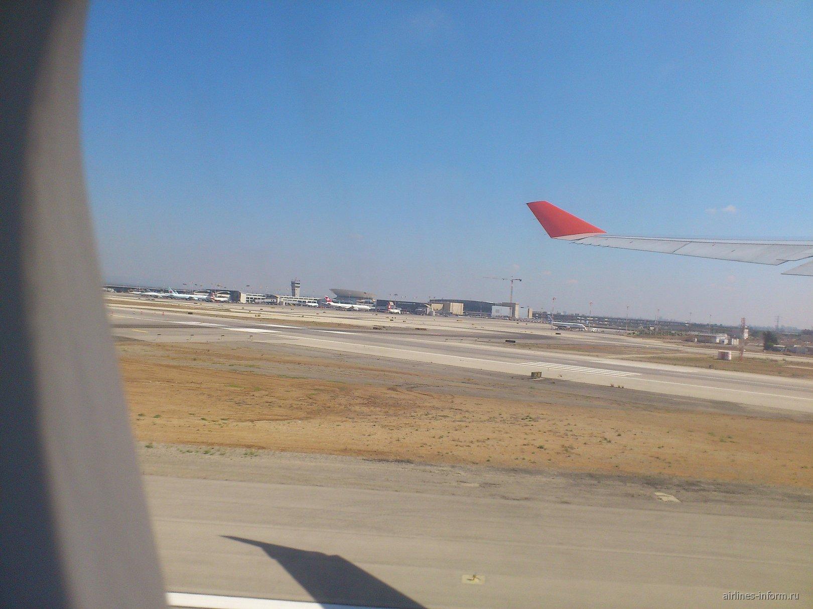 В аэропорту Бен-Гурион в Тель-Авиве