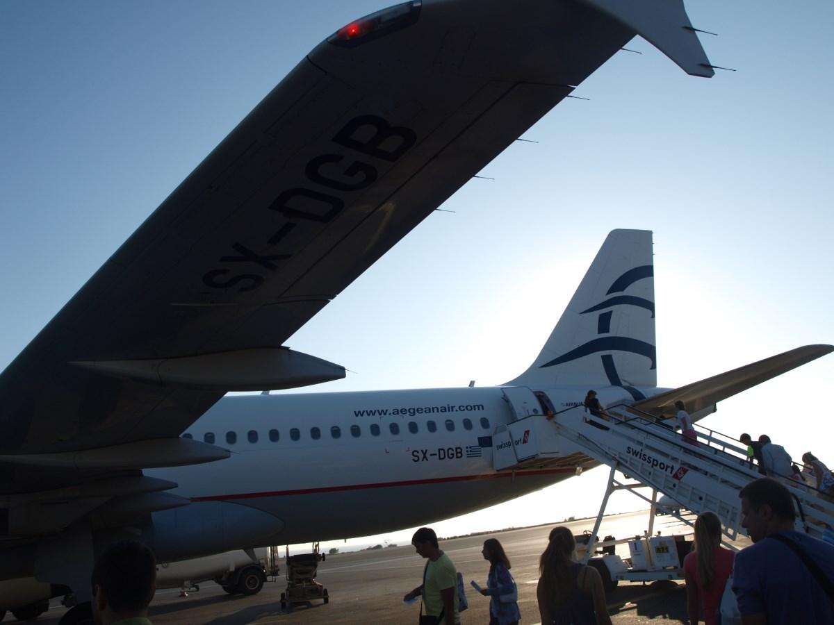 Посадка на рейс Эгейских авиалиний Ираклион-Москва