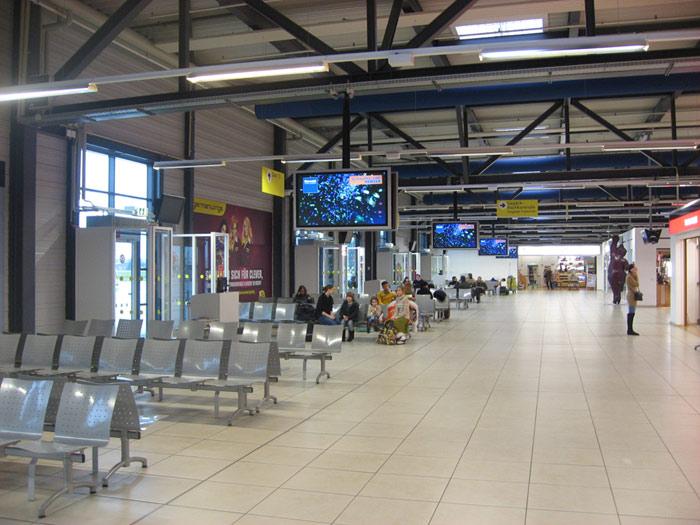 Зал ожидания терминала D аэропорта Берлин Шонефельд