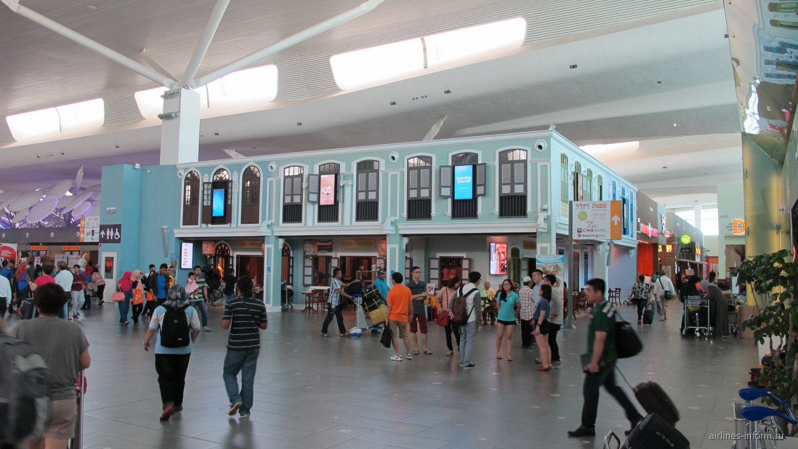 В лоукост-терминале KLIA2 аэропорта Куала-Лумпур