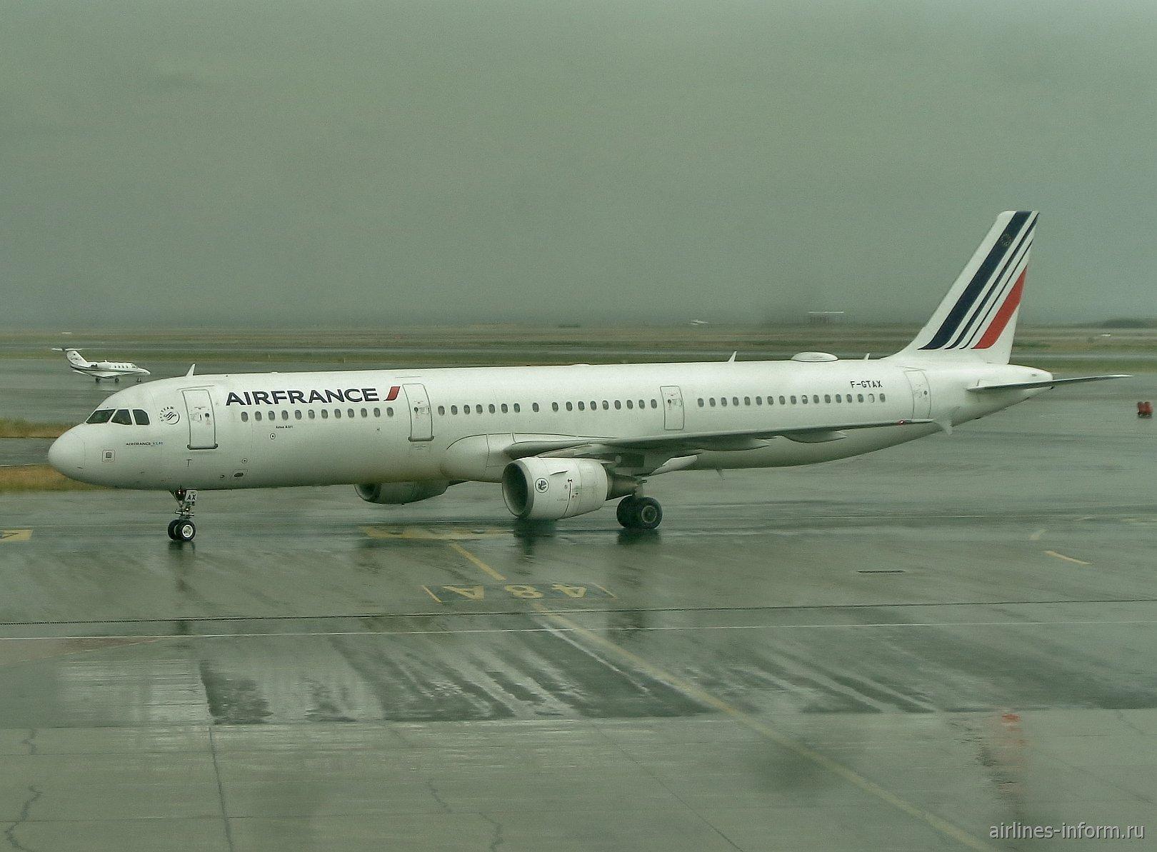 Airbus A321 F-GTAX авиакомпании Air France в аэропорту Ниццы