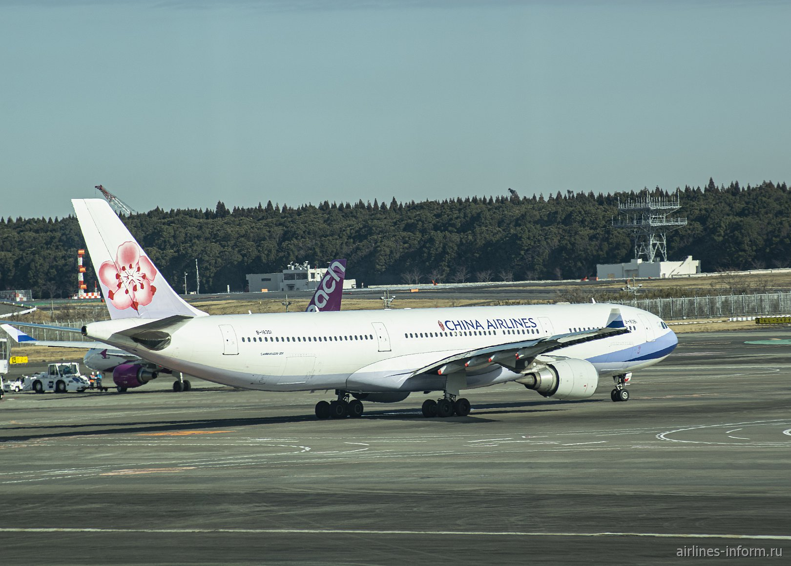 Airbus A330-300 авиакомпании China Airlines в аэропорту Токио Нарита