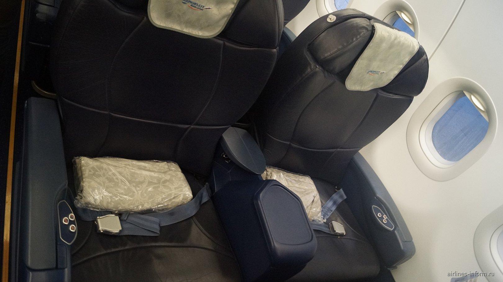 Кресла бизнес-класса самолета Airbus A319 Аэрофлота