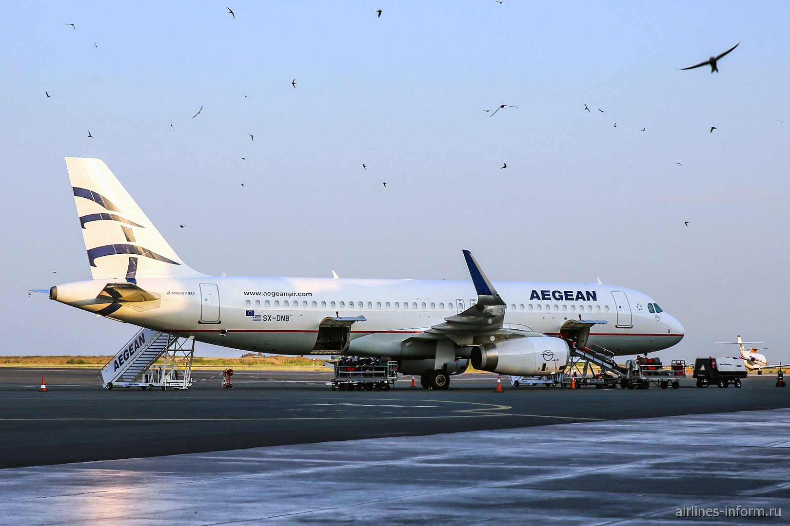 Самолет Airbus A320 авиакомпании Aegean Airlines в аэропорту Салоники