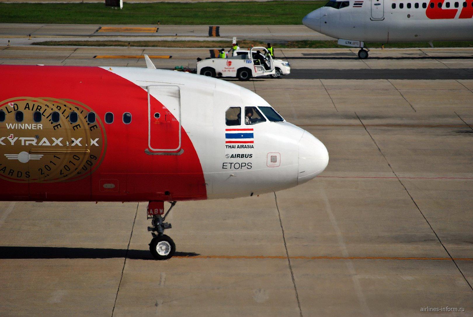Airbus A320 авиакомпании Thai AirAsia в аэропорту Бангкока