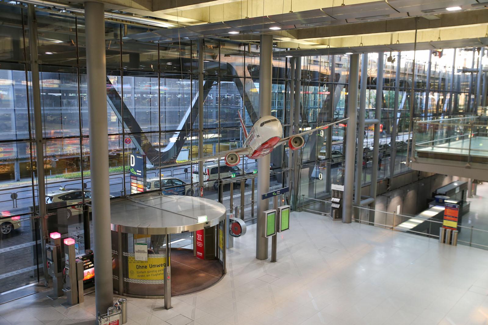 В зоне прибытия терминала 2 аэропорта Кёльн/Бонн