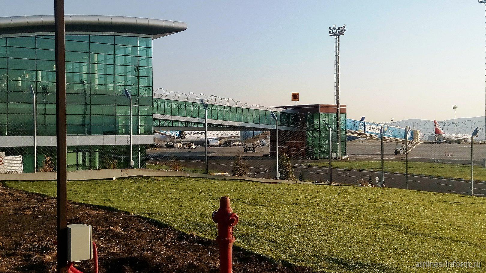 В аэропорту Тбилиси имени Шота Руставели