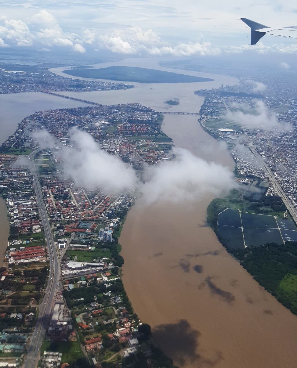 Вид при взлете на город Гуаякиль