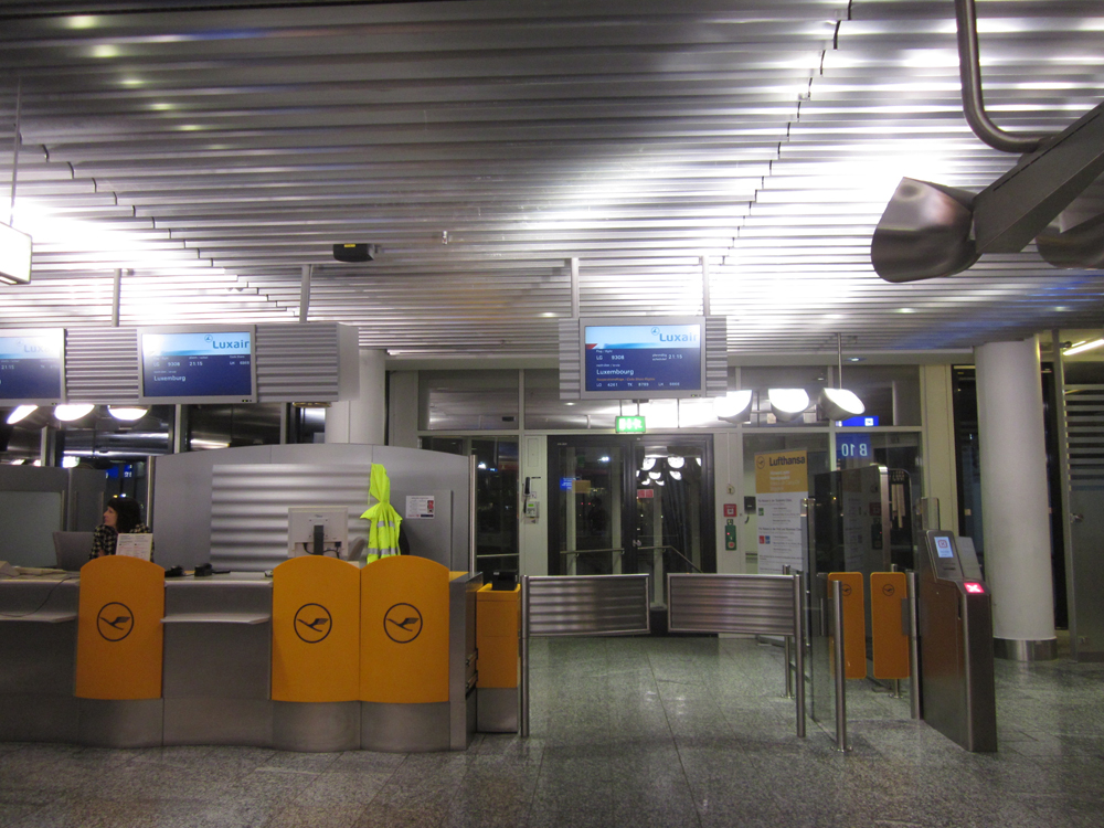 Выход на посадку в аэропорту Франкфурта