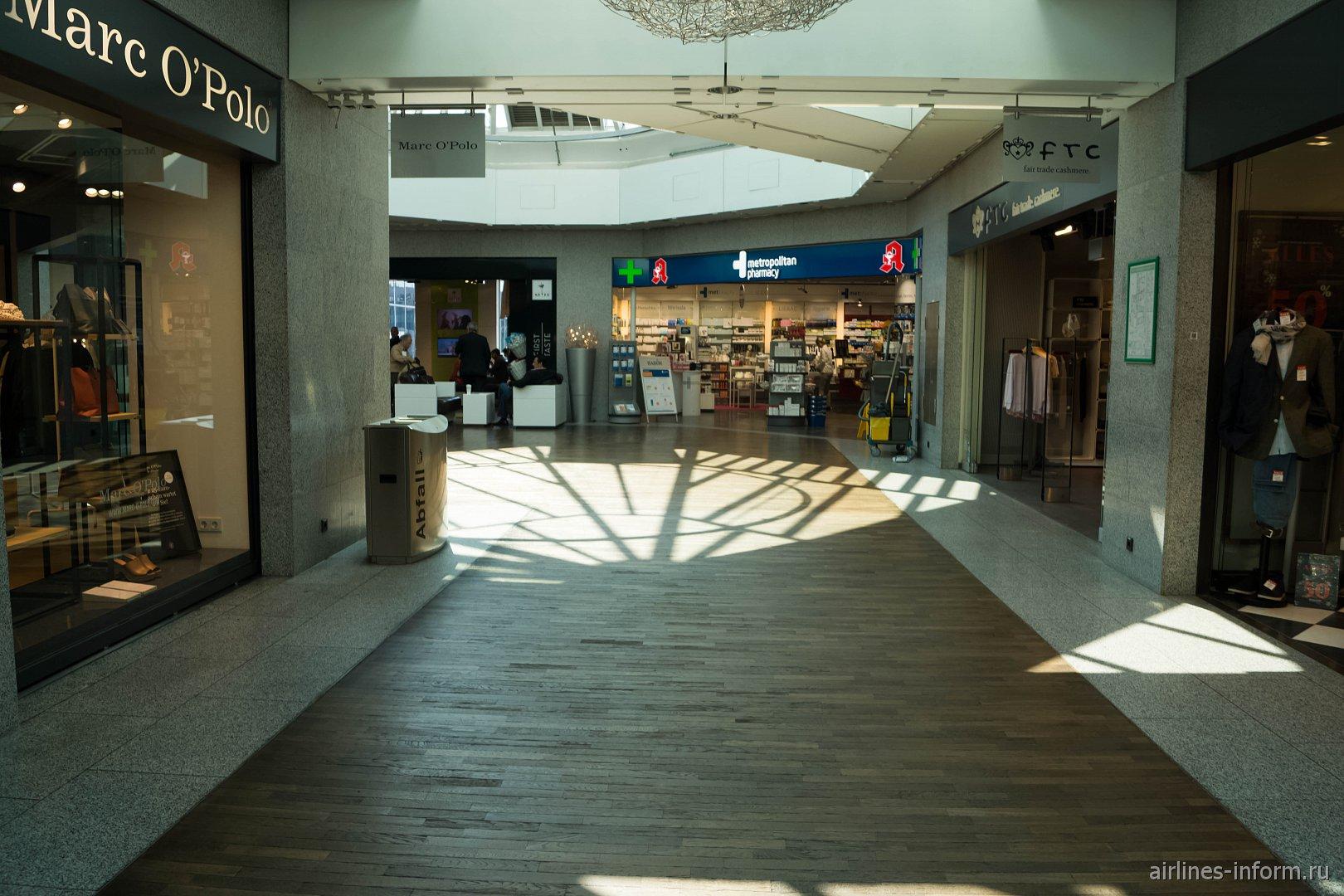 Магазины в терминале 1 аэропорта Франкфурт-на-Майне