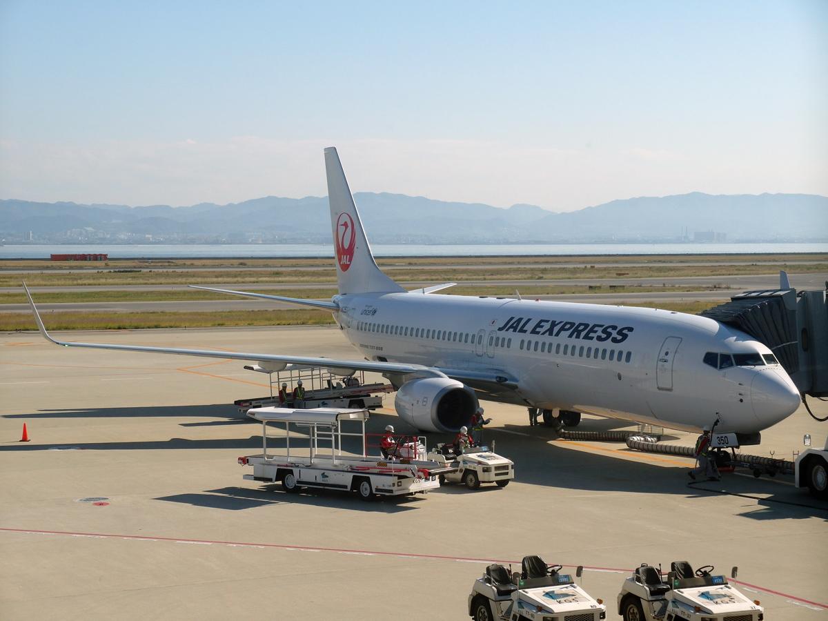Боинг-737-800 авиакомпании JAL Express в аэропорту Осака Кансай