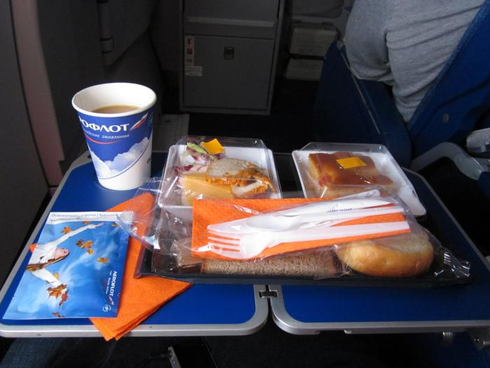 Onboard meal of Aeroflot Mosco-Sochi flight