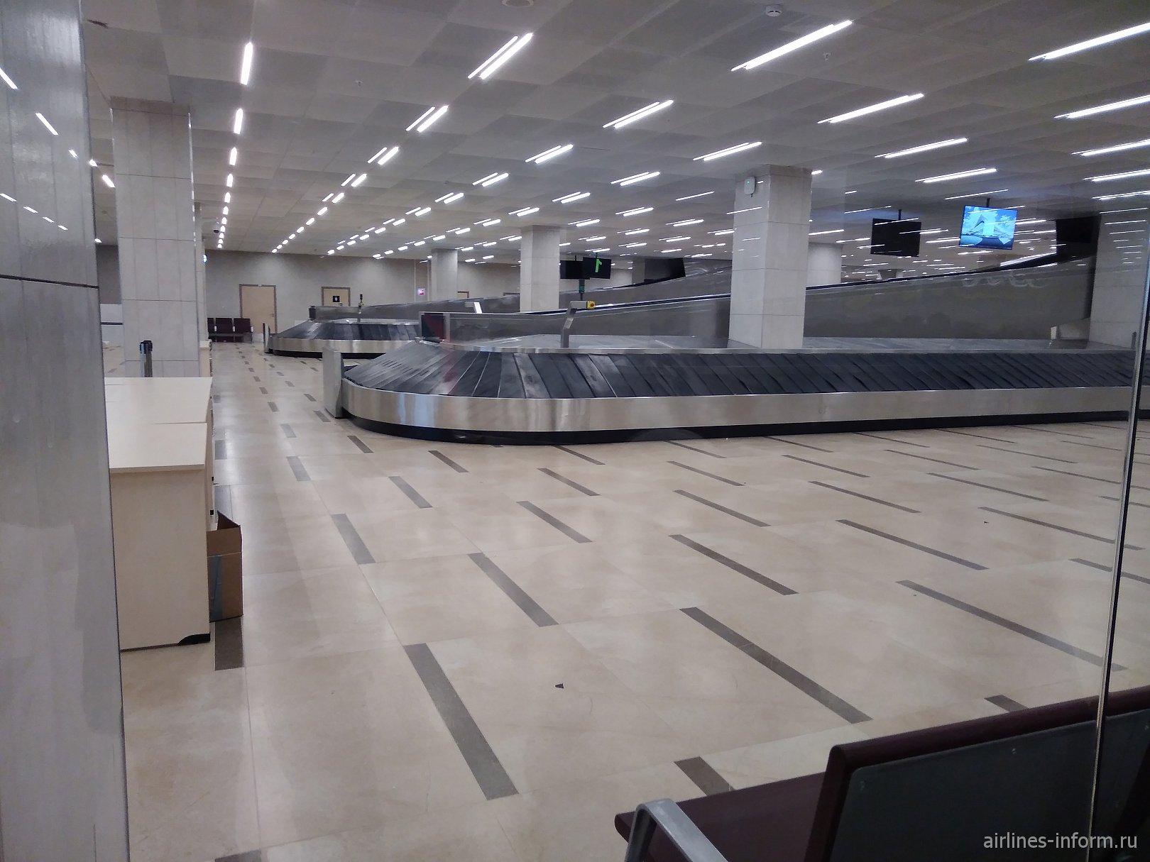 Зал выдачи багажа в новом терминале аэропорта Красноярск Емельяново