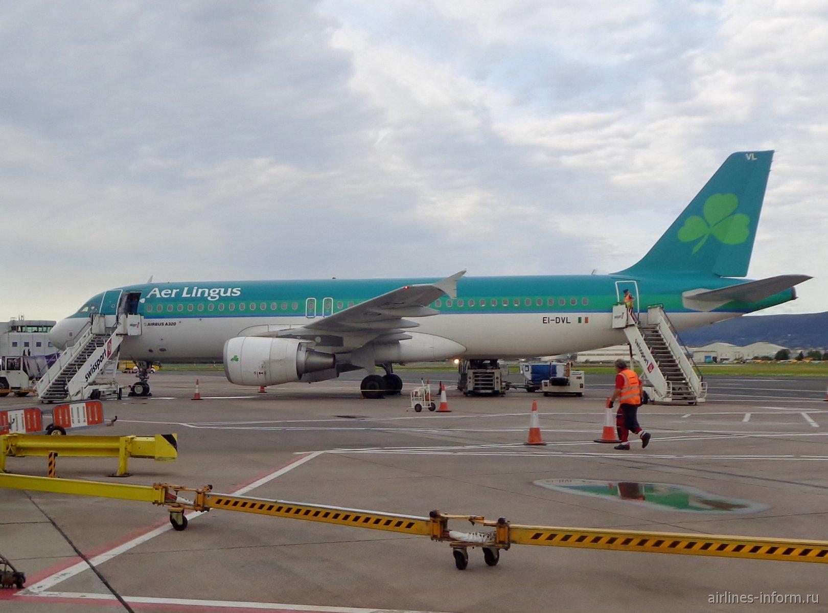 Самолет Airbus А320 EI-DVL авиакомпании Aer Lingus в аэропорту Белфаст-Сити