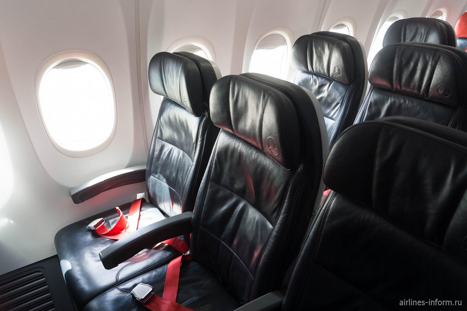 Пассажирские кресла в Боинге-737-800 Турецких авиалиний