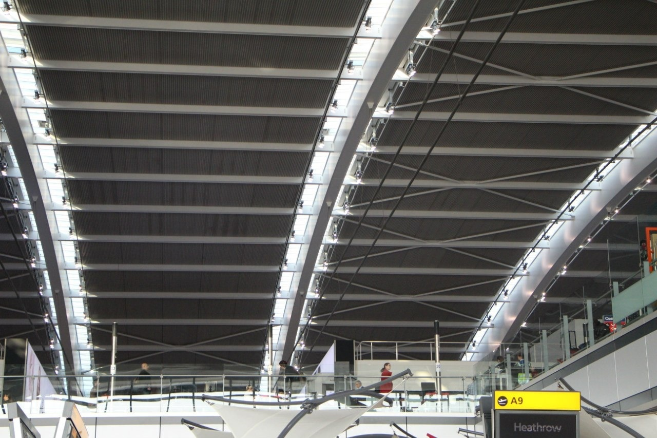 Крыша Терминала 5 аэропорта Лондон Хитроу