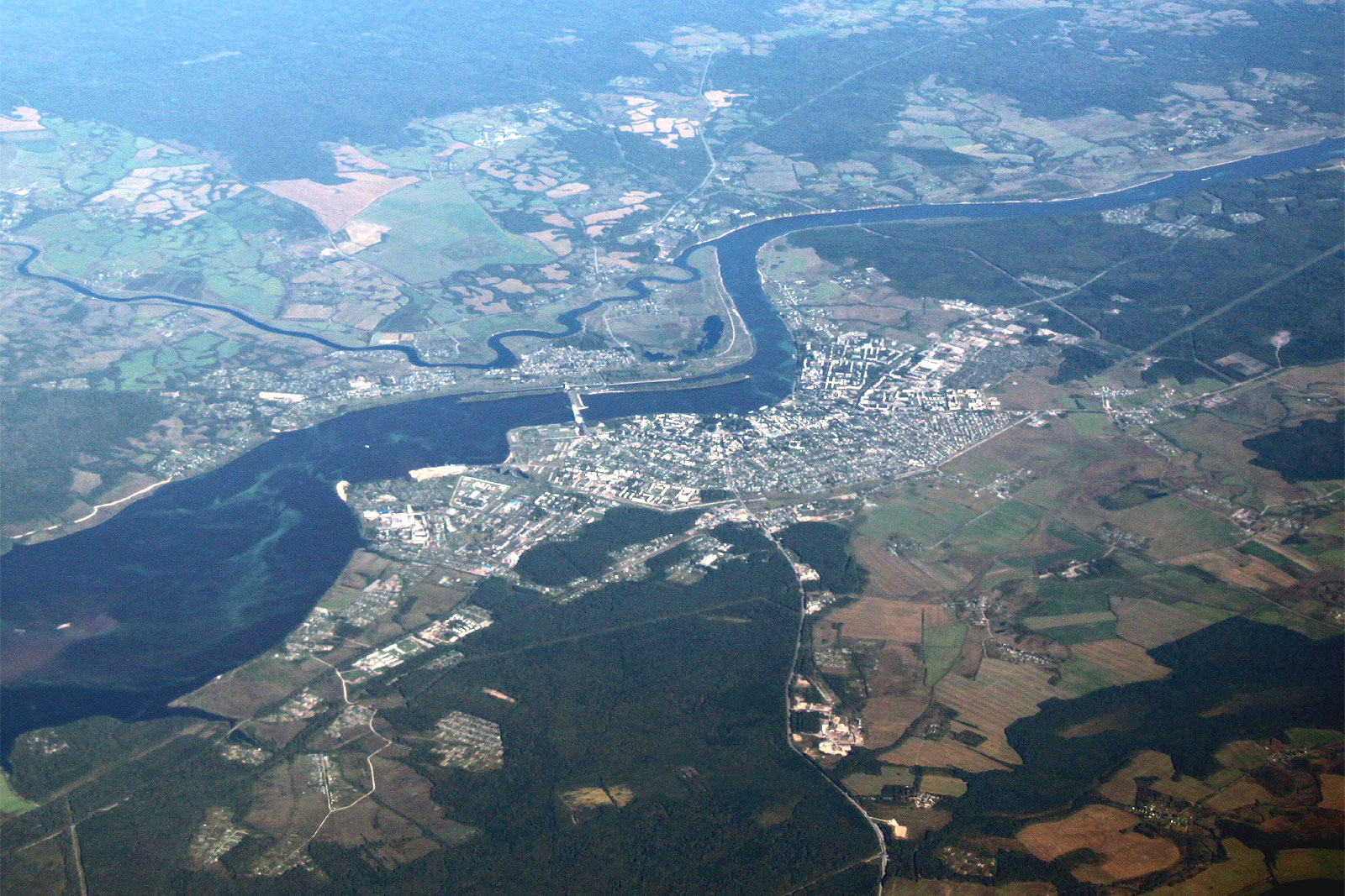 Вид на город Углич и реку Волга