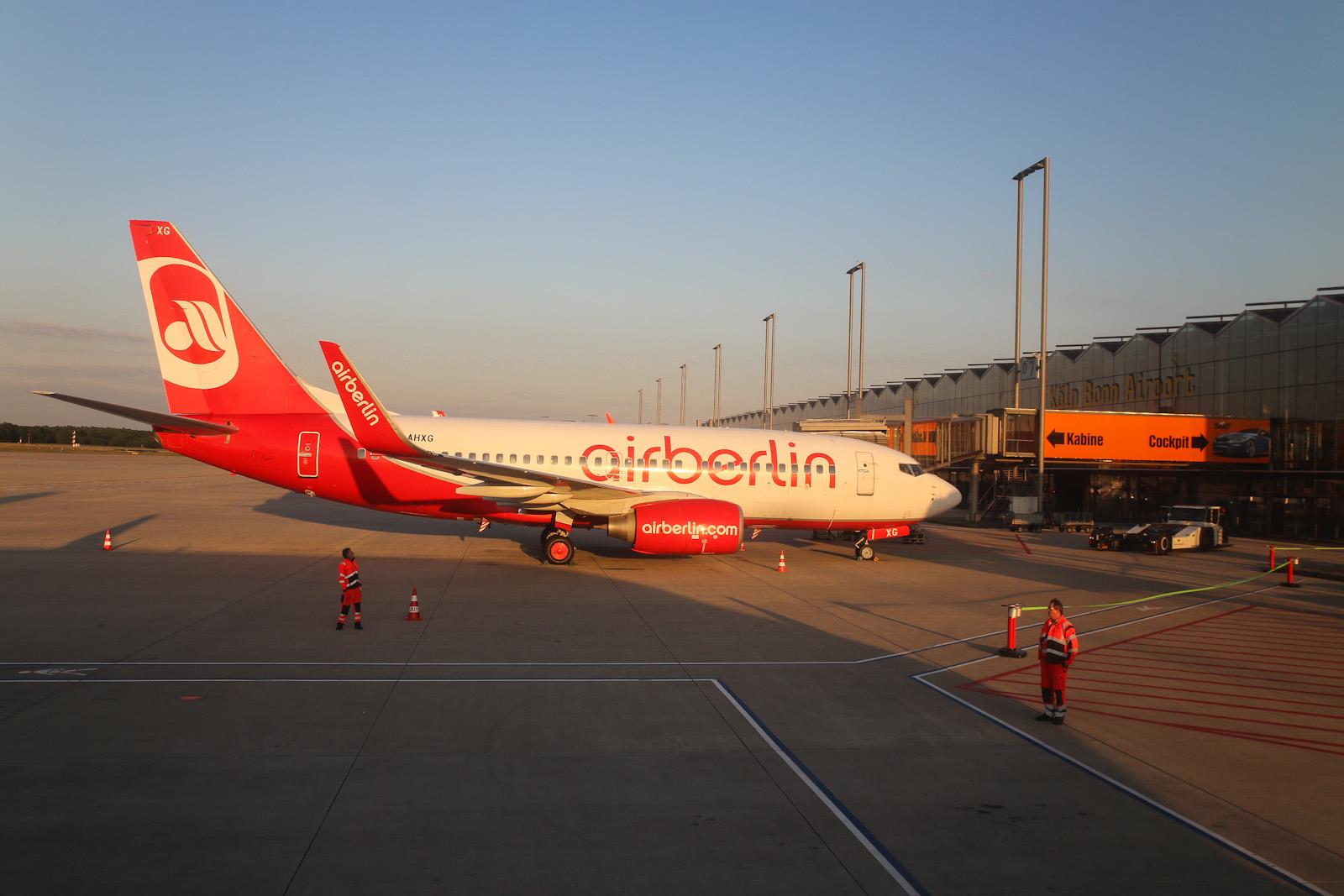 Боинг-737-700 D-AHXG авиакомпании airberlin в аэропорту Кёльна
