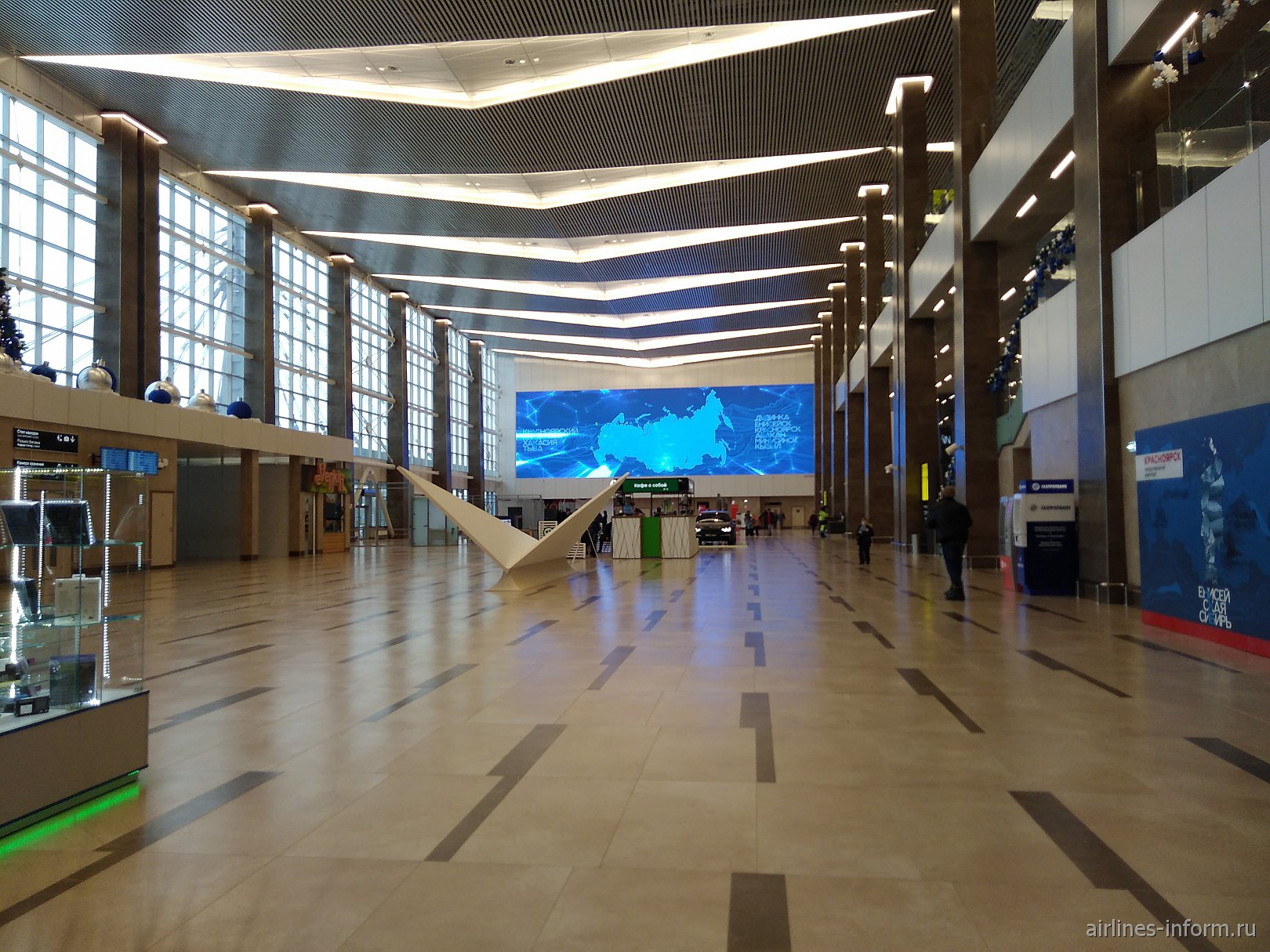 Общий зал нового терминала аэропорта Красноярск Емельяново
