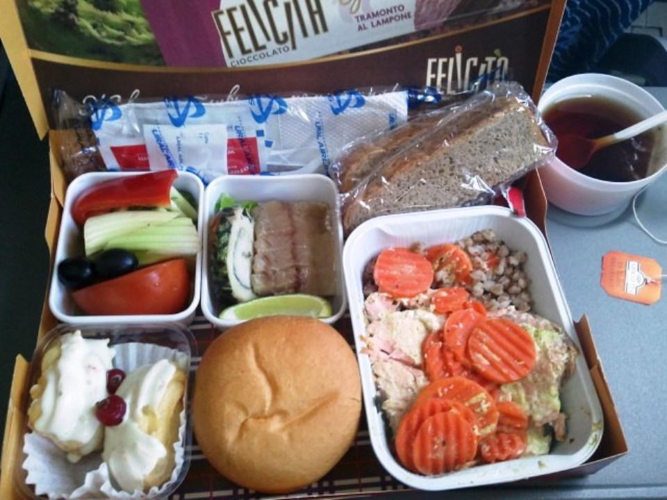 Питание на рейсе Екатеринбург-Сочи Уральских авиалиий