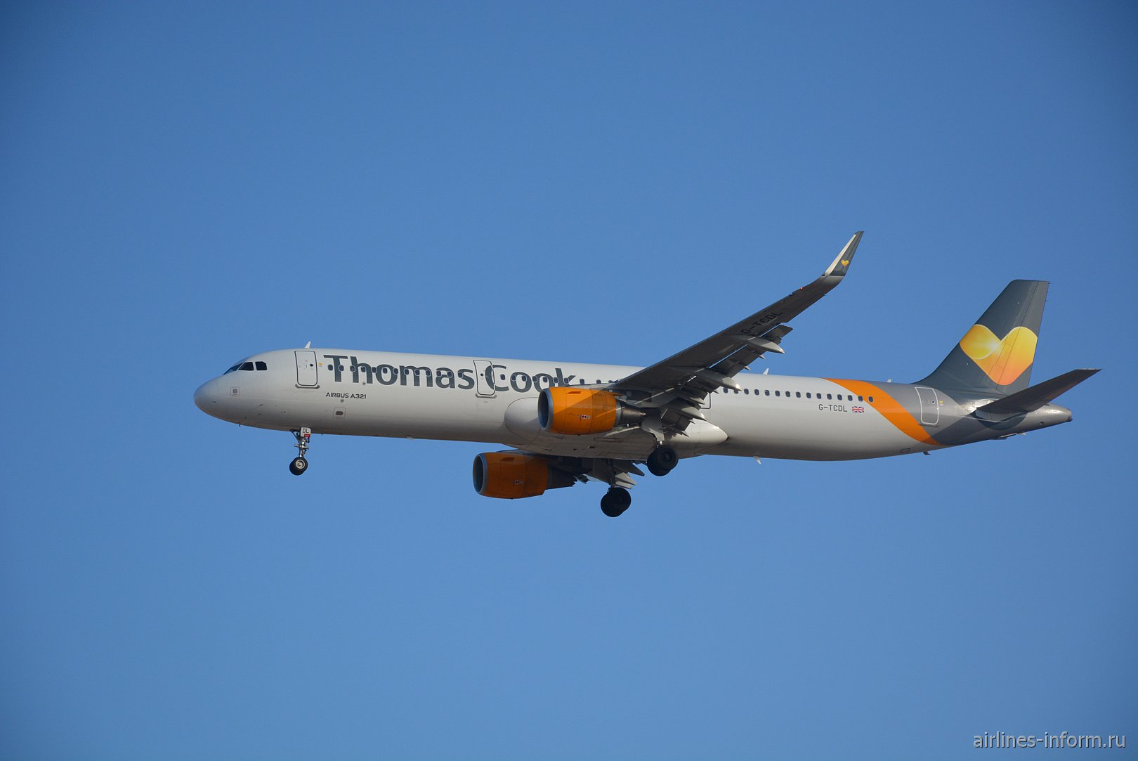 Airbus A321-200 G-TCDL авиакомпании Thomas Cook Airlines