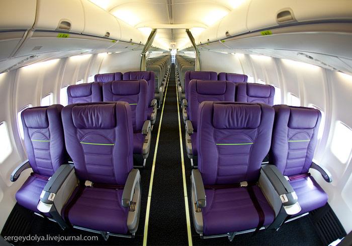Салон бизнес класса самолета Боинг-737-800 авиакомпании Глобус/S7 Airlines